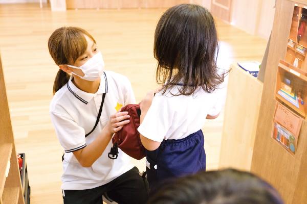 梶本先生保育中写真01